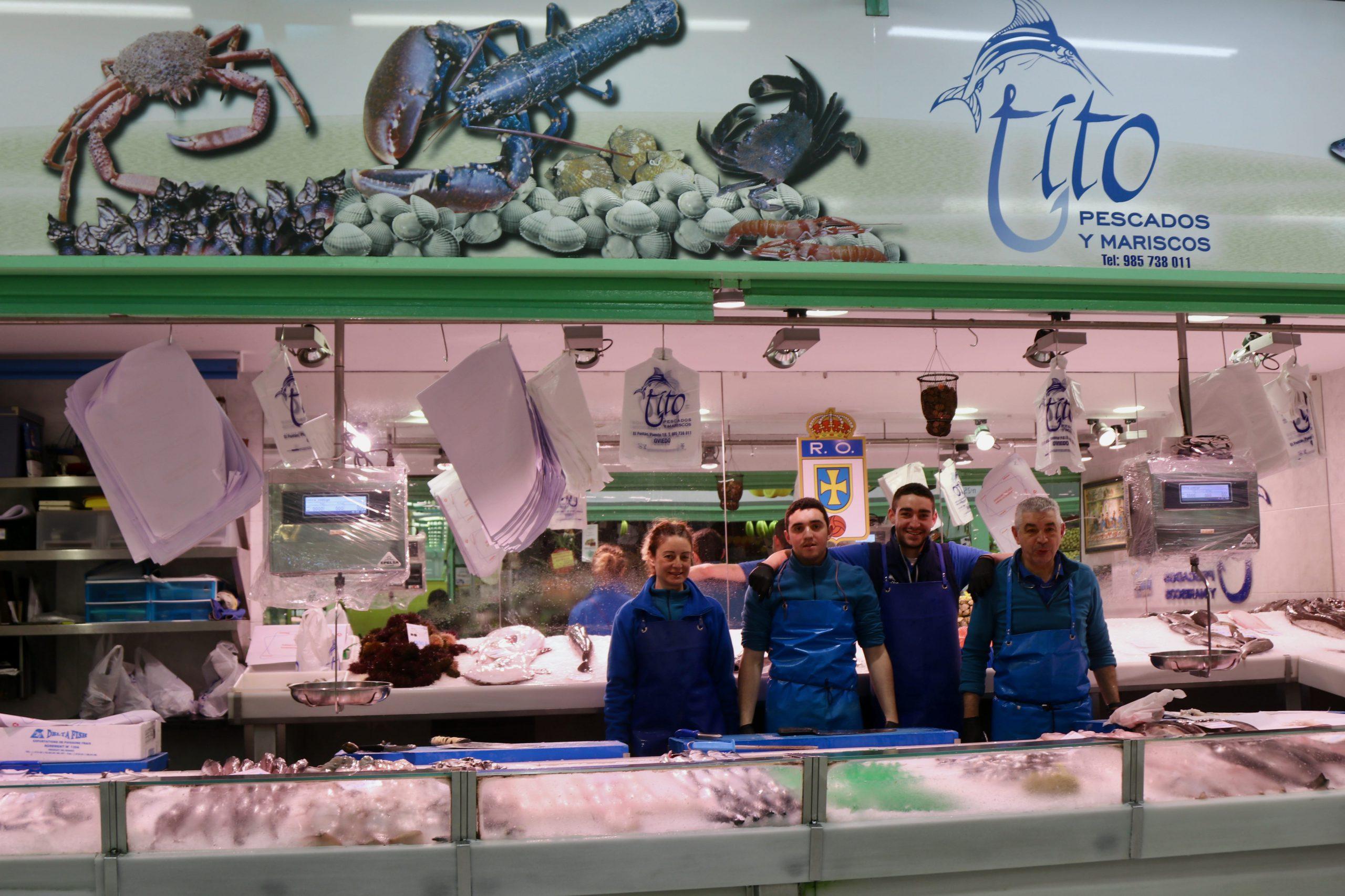 Pescados Tito en el Mercado El Fontán