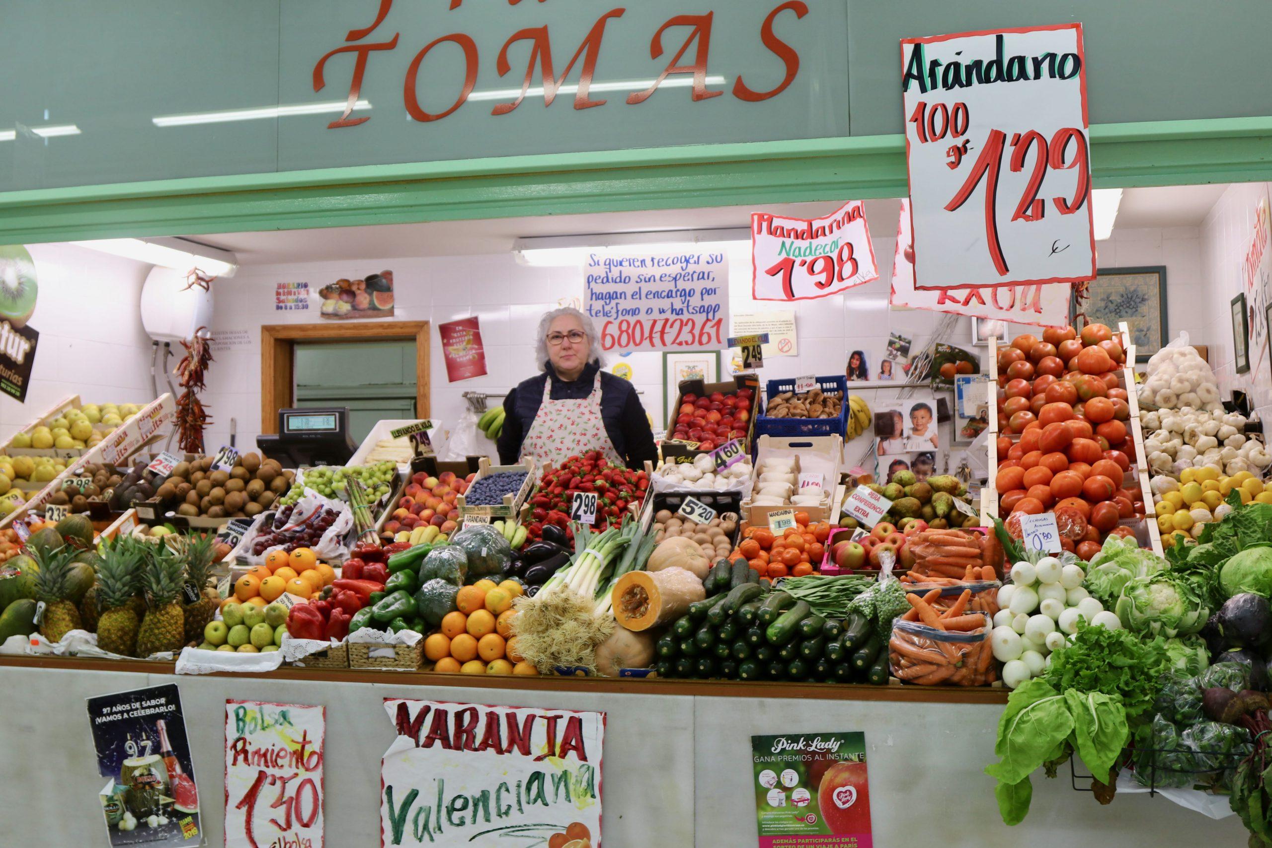 Frutas Tomás en el mercado El Fontán